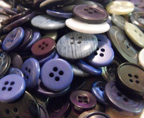 200 Stormy Buttons Round Multi Sizes