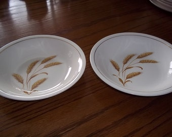 Wheat soup or salad bowl by Edwin Knowles marked semi vitreous Made in USA