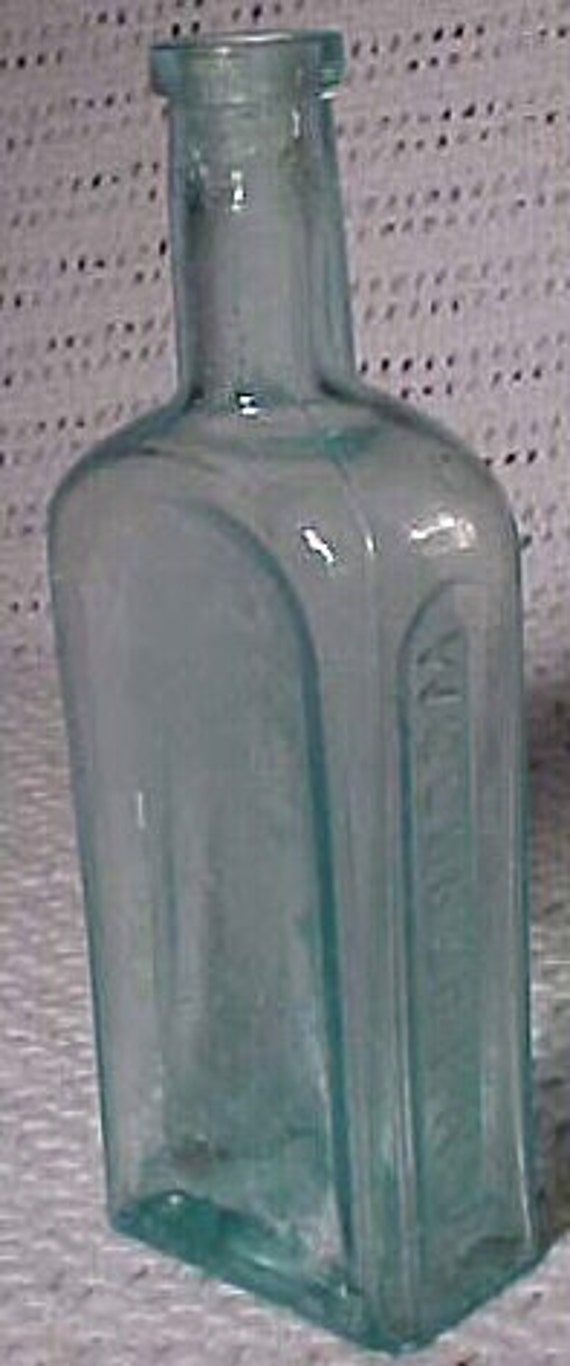 c1880 L. M. Green Prop. Woodbury, N.J. , Aqua Blown Glass Medicine bottle