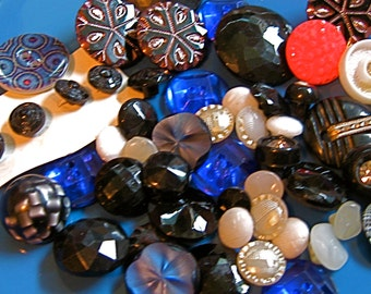 Take 20% OFF Sale 40 Piece VINTAGE FANCY Glass & Lucite Buttons