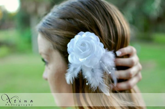 Diamond White Rose With Feather & Pearl Strand Accent Bridal Bobby Pin Fascinator