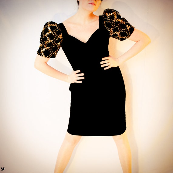 VELVET Sexy Dress 1980s Body Con Cocktail Party Dress with Gold detailed Puffed Sleeves Black Velvet Dress