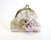Frame coin purse ivory and gold embroidered coin purse