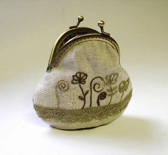 Frame purse with hand embroidered in natural color