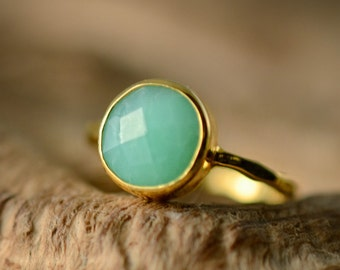 Green Chrysoprase Ring Gold - Solitaire Ring - Mint Stone Ring - Stacking Ring - Gold Ring - Round Ring