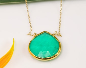 Mint Green Chrysoprase Necklace - Gold Necklace - Gemstone Necklace - Layering necklace - Stone Pendant -  Boho Jewelry - Gold Framed Stone
