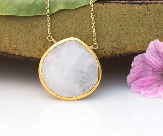 White Agate Necklace - Layered Necklace - Bridesmaid Necklace - White Stone Pandent - Wedding Jewelry - Gift for her - White Pendant