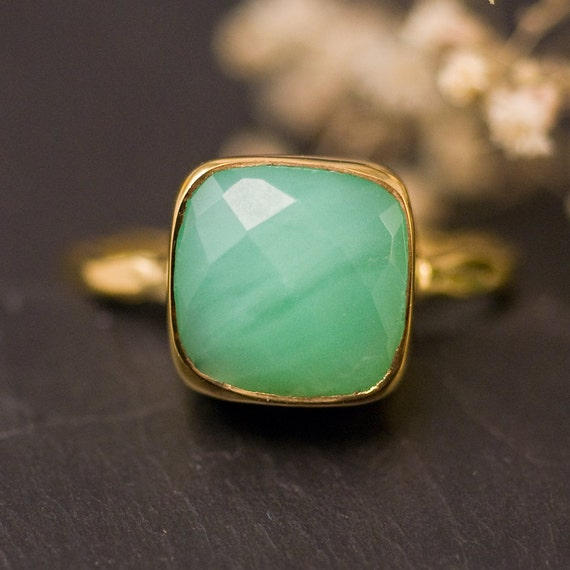 Chrysoprase Ring - Mint Green Stone Ring - Stacking Ring - Gold Ring - Cushion Cut Ring - Mother's Ring - Solitaire Ring