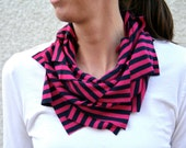 Roller derby striped t-shirt scarf in pink and black
