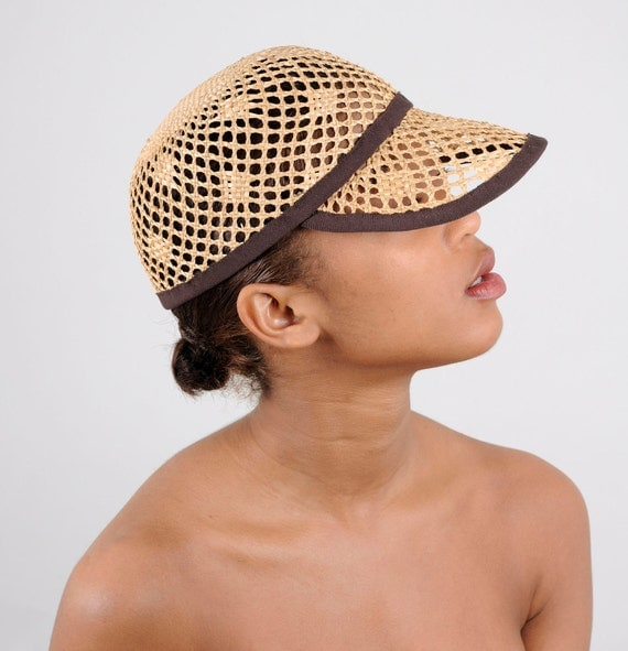 straw baseball cap with dark braun accent