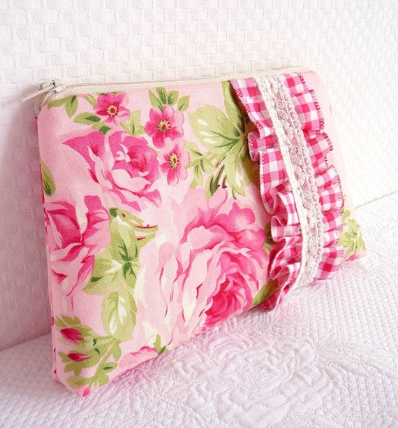 Nostalgic Ruffle Zippered Pouch. Make Up Bag. Coin Purse. Pink Roses. Gingham. Lace. OOAK