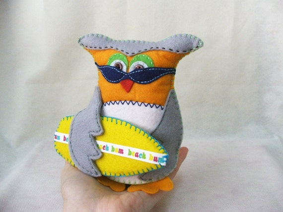 Felt owl -  Beach bum owl - Matt - MADE TO ORDER