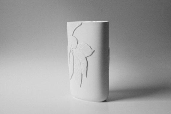 Tall Biscuit Vase - Thomas