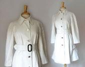 1960s mod  white belted  trench coat / raincoat  by London Fog, size medium