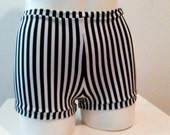 Mini pinup black and white stripe spandex shorts