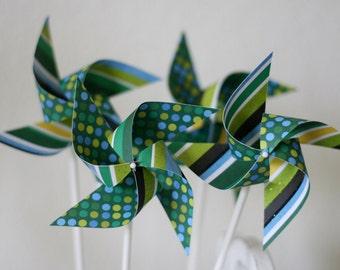 Pinwheel Favors 12 Mini Spinnable Pinwheels Green Love (Custom orders welcomed)