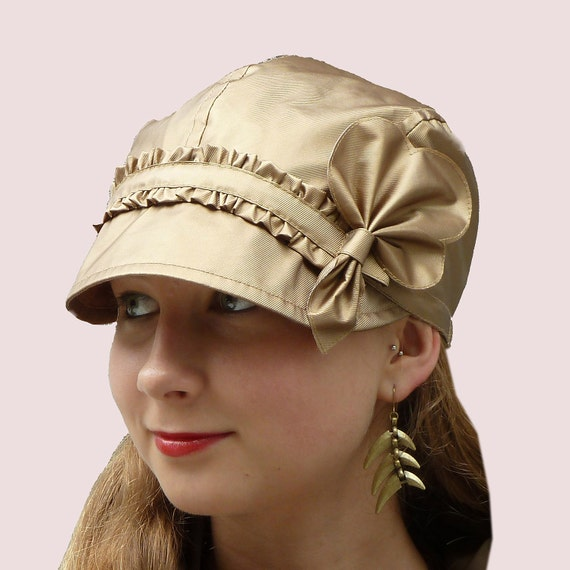 Golden Leaf Rain Newsboy Cap in Waterproof Fabric