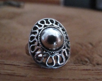 Silver pearl and waves - sterling silver ring