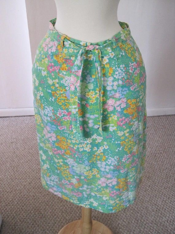 Vintage 1960s Green Field of Flowers Wrap Around Skirt, Made in USA