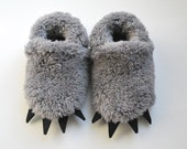 Baby Wolf Paw Slippers - Fuzzy Claw slippers for babies and toddlers