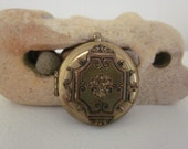 A Vintage Goldtone Locket  for your Love or a Supply for your own Creation