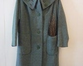 Womens 1950s Green Tweed Winter Coat with Vintage Pearl Brooch
