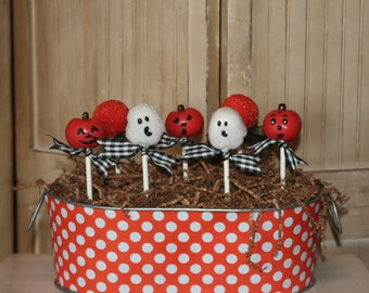 Mom's Killer Cakes & Cookies Spooky  Halloween Ghosts Cake Pops FEATURED in October '11 Issue of Southern Living