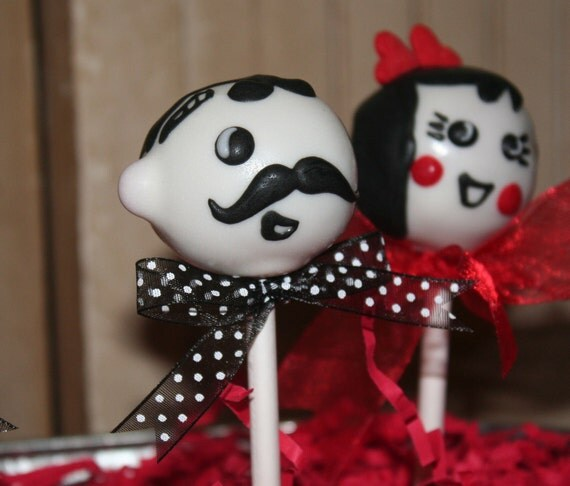 Mom's Killer Cakes & Cookies Character Cake Pops