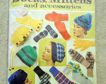 Red Heart Pattern Book No.169 of Socks, Mitten, Hats, and Capes