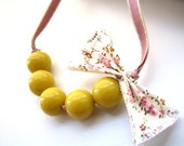 Beaded necklace - Sweet bow maize yellow beads