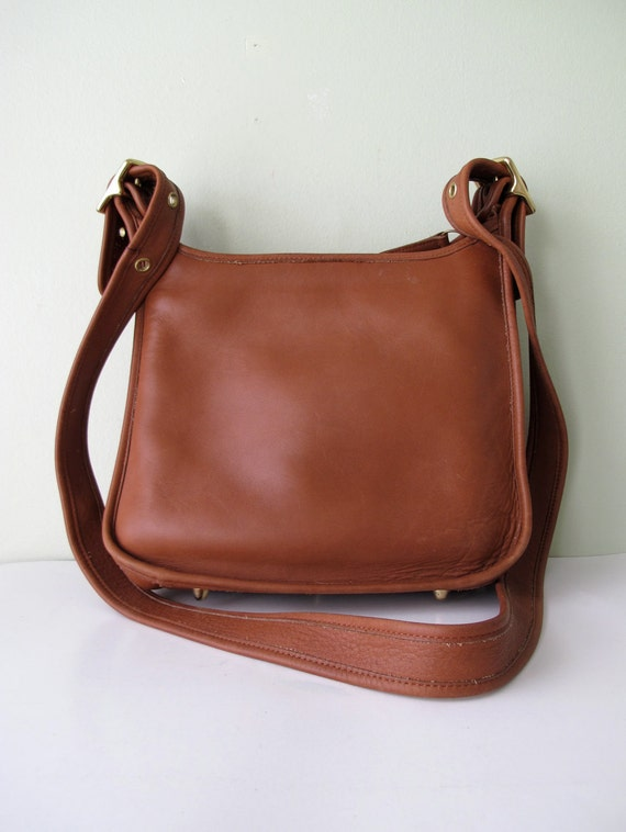 Vintage COACH Legacy Zip Cross Body Bag 9966 in British Tan