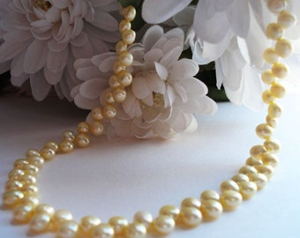 Pearl Necklace Winter Wedding Soft Yellow Buttercup Lemon Pale Yellow Fresh Water Pearls ZigZag Pattern Pastel Subtle Delicate Romantic