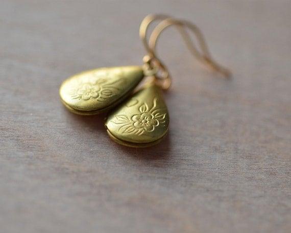 Locket Earrings Sentimental Nostalgic Romantic Tear Drop Bride Wedding Romance Dangle Vintage Brass Locket