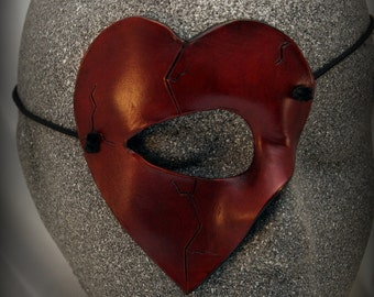 Heart Quartermask: A Small and Stylish Mask