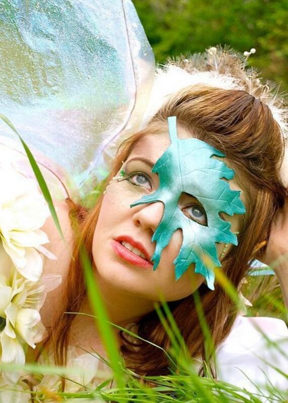 Oak Leaf Quartermask: Leather Art inspired by Nature