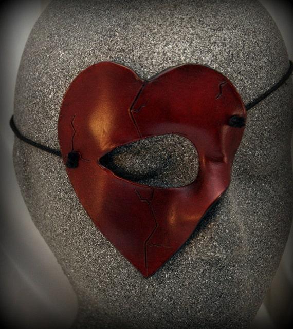 Heart Quartermask: A Small and Stylish Mask