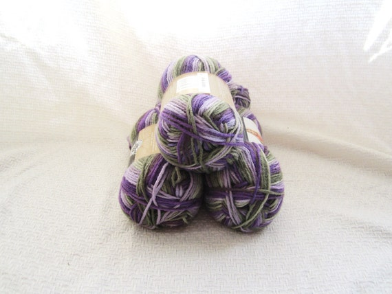 Loops and Threads Impeccable Yarn in Fresh by EclectionsGifts