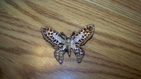 Vintage Butterfly Shaped Jewelry Brooch - Sarah Cov -