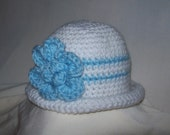 Lovely White/Blue Flowered Baby Bowler Hat (0-3 months)