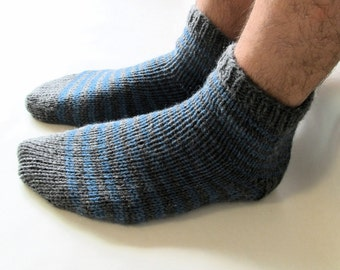 M-L gray and blue striped wool lounging socks