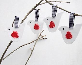 White birds Valentine's Day decoration, set of four