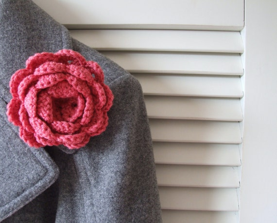 Pink flower brooch, crochet flower brooch, lapel accessory, Mother's Day present, Free UK shipping, cabbage rose pin, flower appliqué,