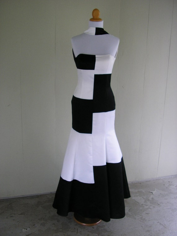 Reserved for kimbiscuit.      vintage Jessica McClintock Black and White Formal/Prom dress