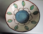 medium bowl, blue daisy with leaves