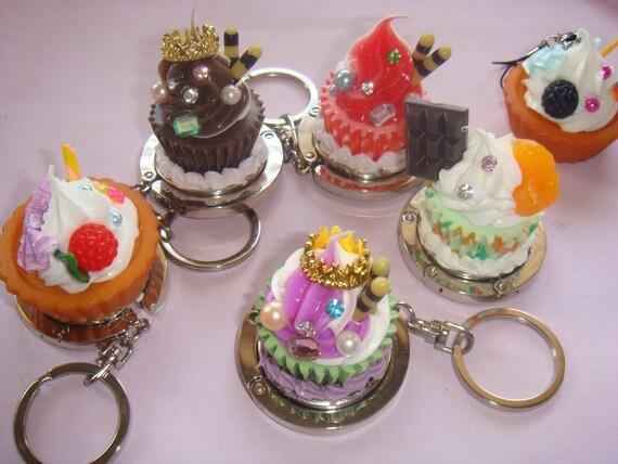 Handbag Hook- Cream cupcake with orange and choc slice