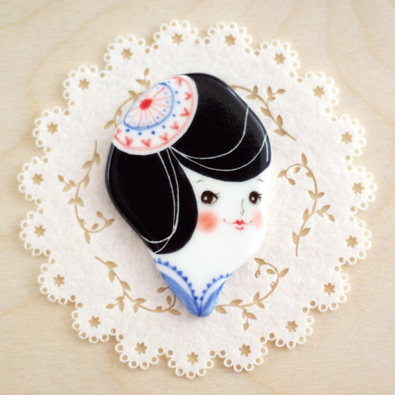 minini hand painted porcelain brooch pin or magnet by min lee 12045