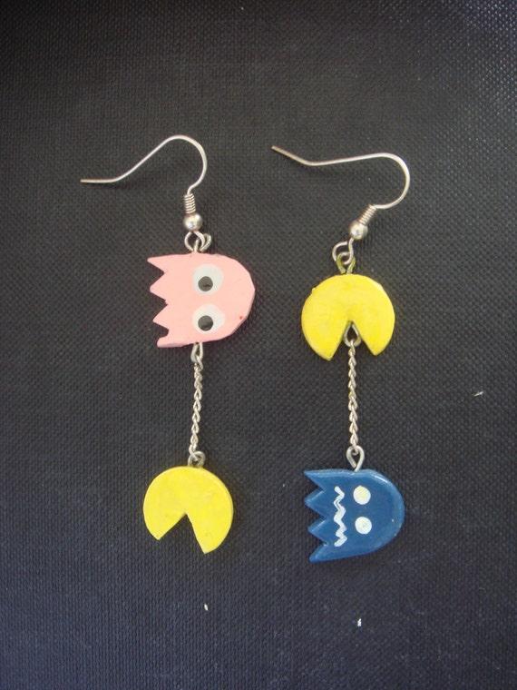 Pac-man Earrings (pink ghost)
