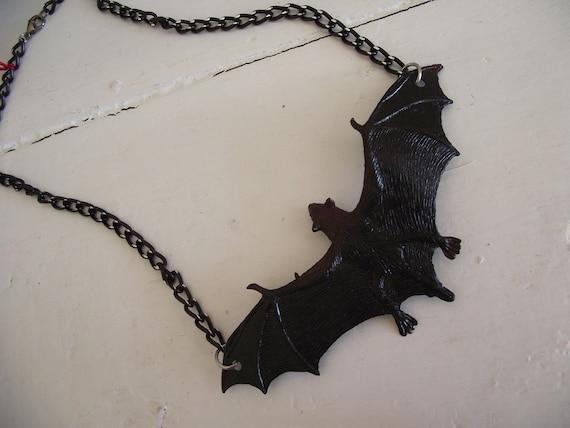 Halloween/goth - Black bat necklace