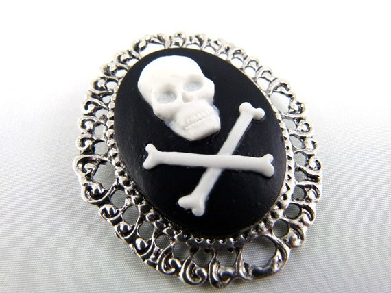 SALE 50% off - Skull & Crossbones Cameo Brooch