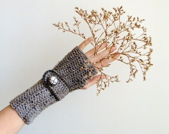 Crochet PATTERN  Fingerless mittens  long women gloves  armwarmers with buttoned strap, DIY photo tutorial,instant download